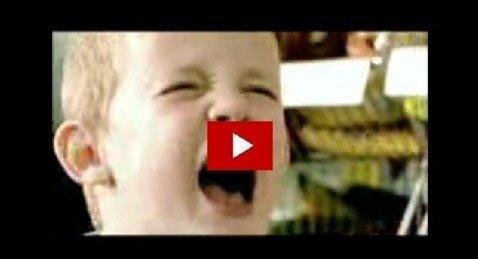 كيف تتصرف لمن طفلك يصرخ؟