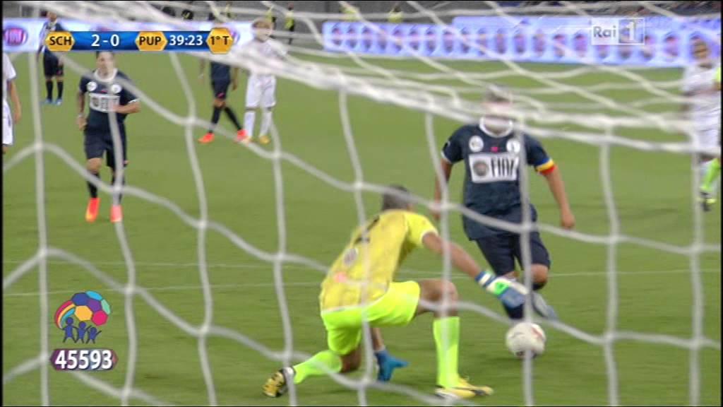 مارادونا يمرر و روبرتو باجيو يسجل الهدف