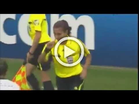 يجب منع النساء من لعب كرة القدم بعد هذه الحركة!